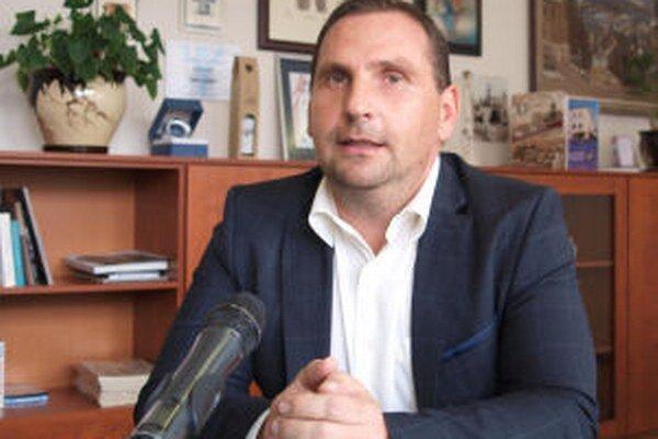 Plat primátora Žiaru Petra Antala narastie oproti súčasnosti len mierne, o desiatky eur.