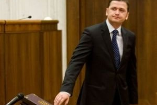 Homoľa bol v minulom volebnom období poslancom parlamentu.