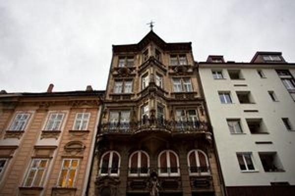 Mesto mohlo podiel v dome získať v roku 2007 od dedičov, poslanci boli proti. Lekáreň je dnes prázdna.