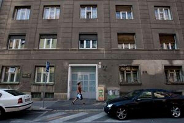 V dome na Medenej dostali výpoveď pätnásti.