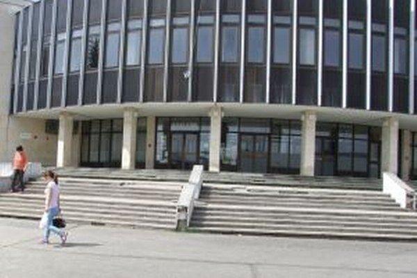 Zľavy by mali platiť aj pri vstupnom do Mestského kultúrneho centra v Žiari nad Hronom.