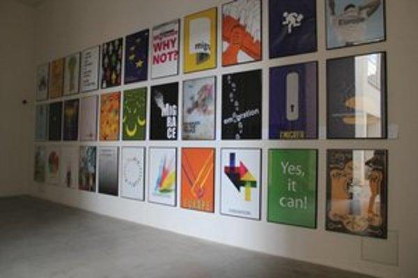 Výstava plagátov v Poľskom kultúrnom inštitúte potrvá poča celého festivalu.