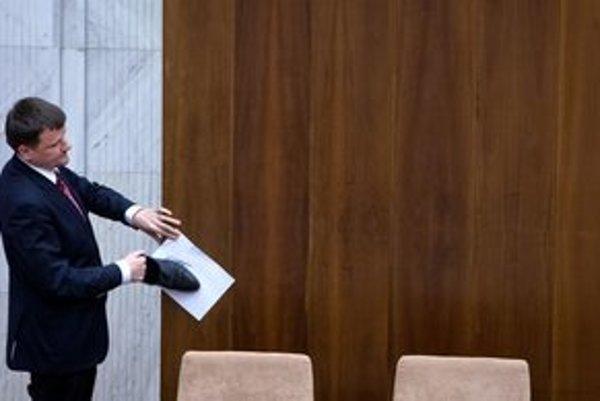 Ku kandidatúre na predsedu Bratislavského samosprávneho kraja chce Hlina pristupovať zodpovedne a korektne.