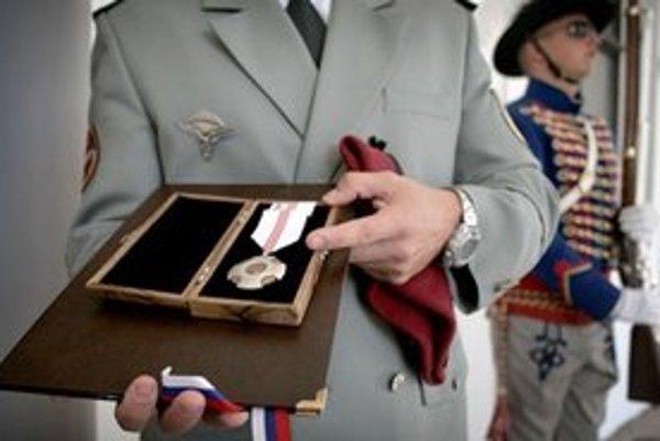 Štátna medaila za statočnosť.