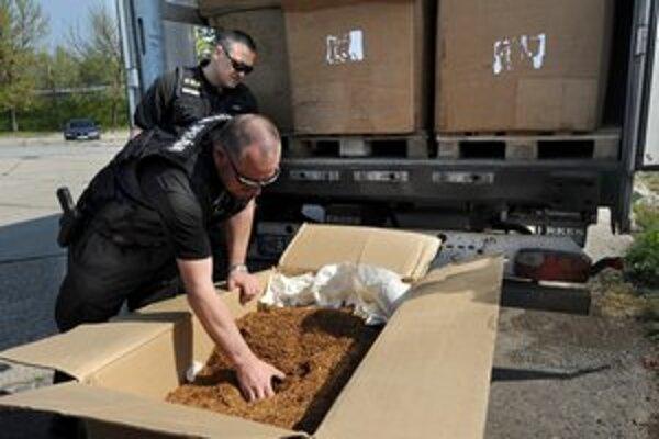 Tabak našli pri kontrole kamióna.