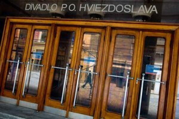 V Divadle P. O. Hviezdoslava odohrajú dnes večer predstavenie Krížom - krážom.