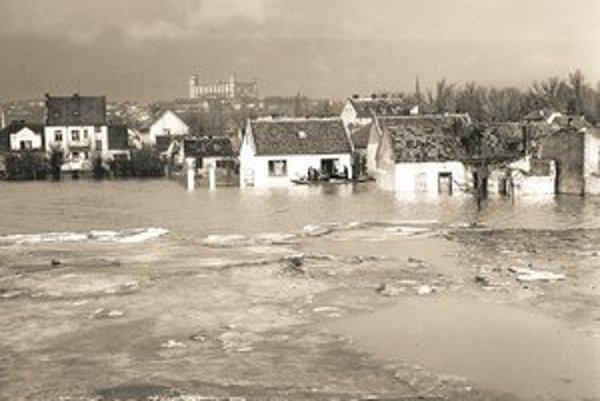Povodeň vPetržalke vroku 1947.