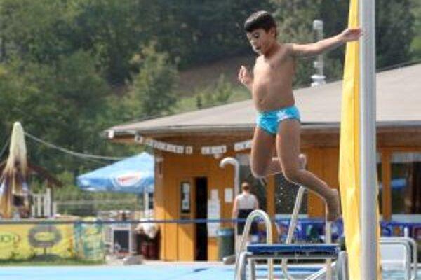 Vo Vodnom raji chcú zvýšiť návštevnosť mimo letnej sezóny. Pomôcť má bazénová hala.