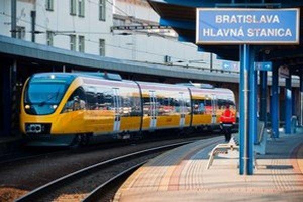 Štátne železnice nahradili na trati Bratislava-Dunajská Streda-Komárno RegioJety.