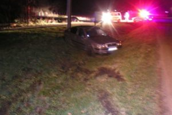 Toto auto viedol cez v sobotu noci opitý tínedžer.