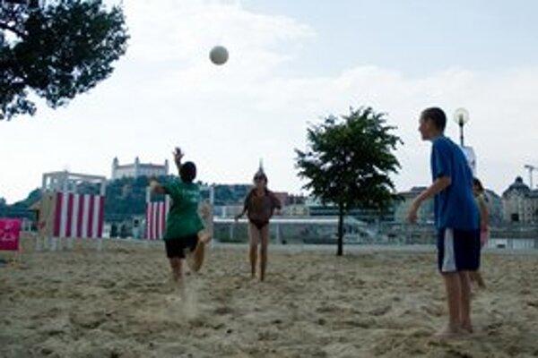 Pláž je otvorená už šieste leto.