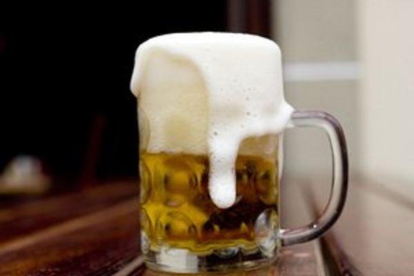 Prokuratúra žiada zrušenie zákazu pitia alkoholu na verejnosti v Dúbravke a Petržalke.