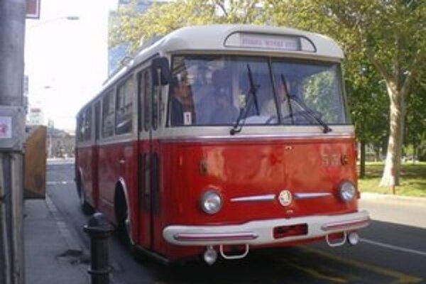 Historický trolejbus bude zajtra premávať na linke 112.