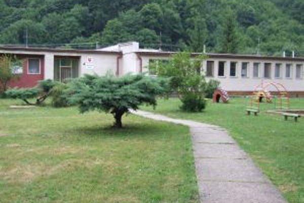 Škôlka v Horných Hámroch. Do konca budúceho roka by tam malo pribudnúť šesť nájomných bytov.