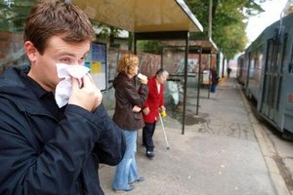 Chrípka má často za následok zvýšenú spotrebu papierových vreckoviek.