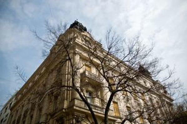Historická budova, kde sídlilo vedenie Slovenského národného divadla, chátra
