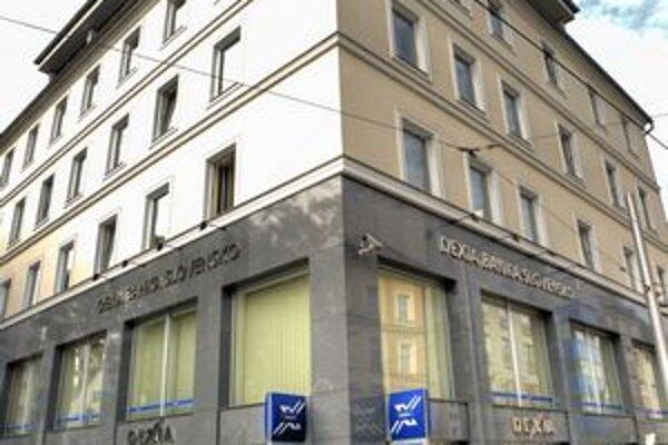 Penta koncom marca odkúpila väčšinu akcií Dexia banky