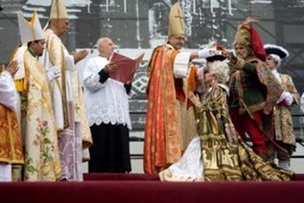 Dnes korunovali Máriu Teréziu.