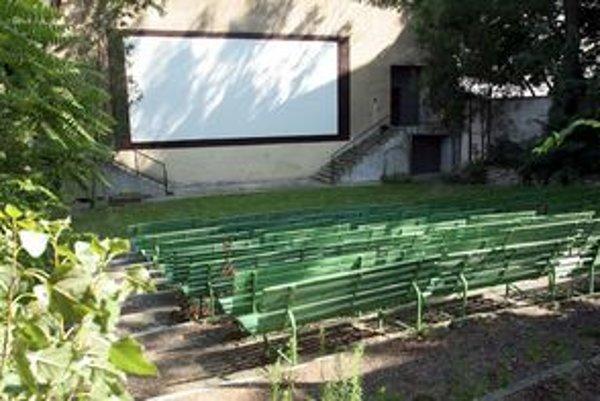 Zaniknuté letné kino Hviezda v Bratislave nahrádzajú sezónne kiná
