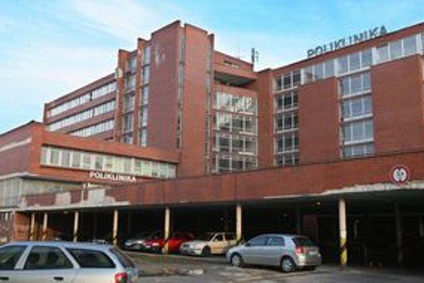 Nové Mesto sa snaží polikliniku získať, lebo nechce, aby skončila ako schátraná nemocnica na Bezručovej.
