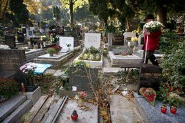 Poriadok na cintoríne nie je samozrejmosťou