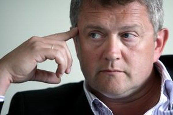 Bývalého riaditeľa UNB Jozefa Sabola odvolal minister v máji.