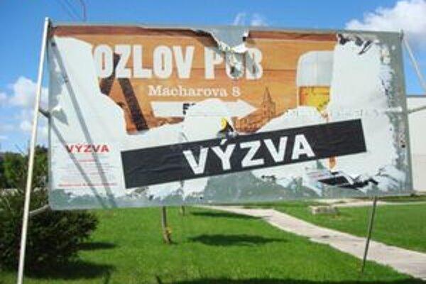 S bojom proti nelegálnym billboardom začali už v Petržalke.