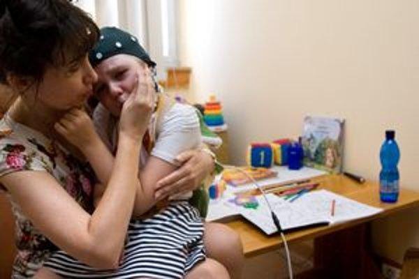 Deti na vyšetrenia chodia nerady rovnako ako táto pacientka Kliniky detskej neurológie.