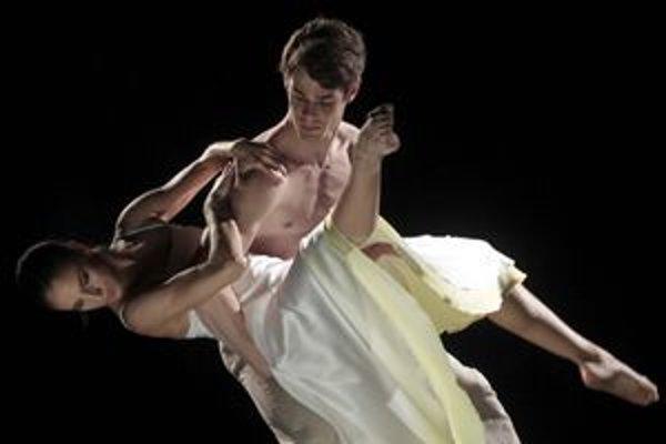 Prvým predstavením nového súboru je Rómeo a Júlia, známy príbeh, plný emócií.