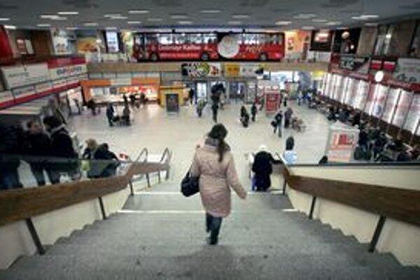Ľudia by už nemuseli stáť v rade na lístky, stačil by im jeden na cestu v Bratislave i v rámci kraja.