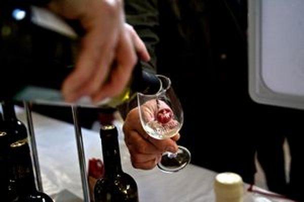 Mladé víno sa dá ochutnať v Starej tržnici do 18.00.