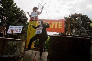 Peniznčania a aktivisti protestovali minulý rok pred Úradom vlády.