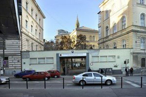 Univerzitná nemocnica Bratislava.