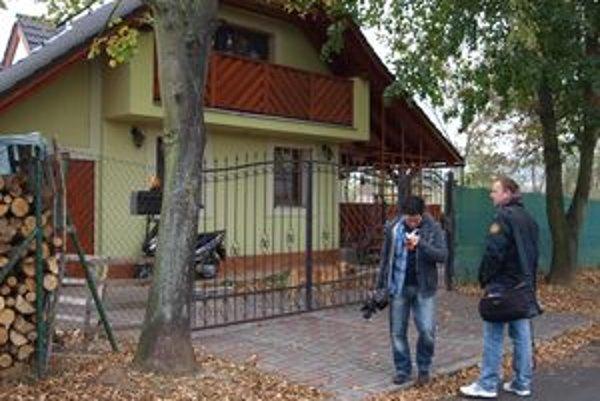 Najznámejšia čierna stavba v Žiari nad Hronom. S mestom ani s médiami jej majiteľ nekomunikuje.