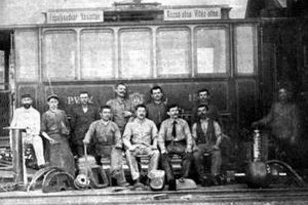 Jedna z prvých električiek v roku 1895.