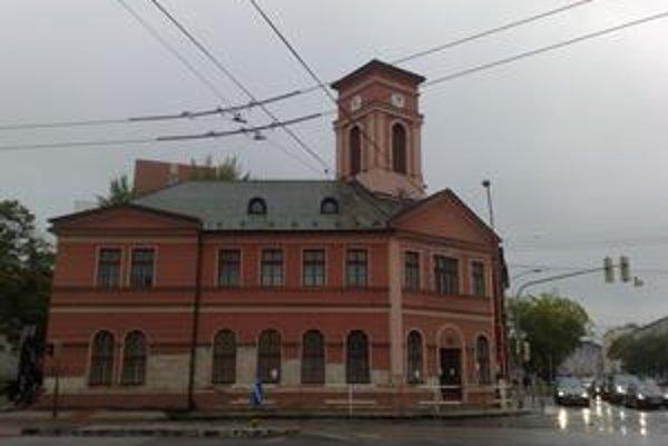 Budovu prvej konskej železnice kúpilo Nové Mesto minulý rok.