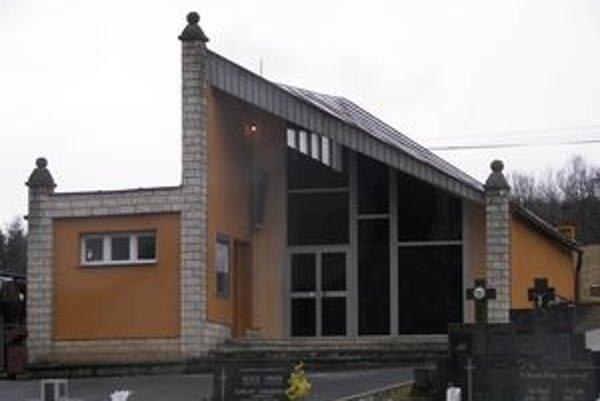 Rekonštrukciou v Starej Kremničke prešiel aj dom smútku.