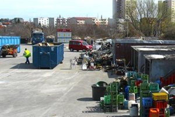 V pezinskom zbernom areáli bude tento víkend rušno. Pezinčania sem budú privážať veľkoobjemový odpad.