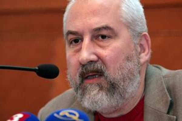 Starosta Starého Mesta Andrej Petrek odvolal členov komisie, ktorá prideľovala obecné byty.