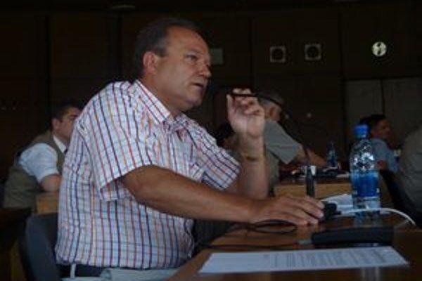 Ladislav Kukolík tvrdí, že decembrové hlasovanie žiarskych poslancov o daniach znamená nebezpečný precedens.