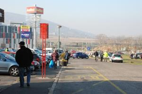 Polícia riadila dopravu a parkovanie. Šoférov tiež prekvapili kontroly alkoholu.