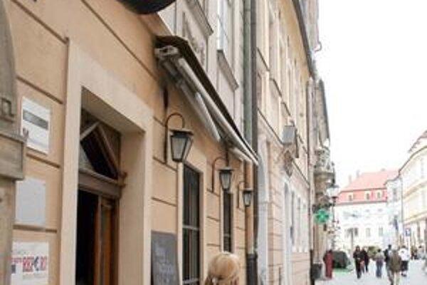Medzi najznámejších víťazov ceny patrí kaviareň Divan na Laurinskej.