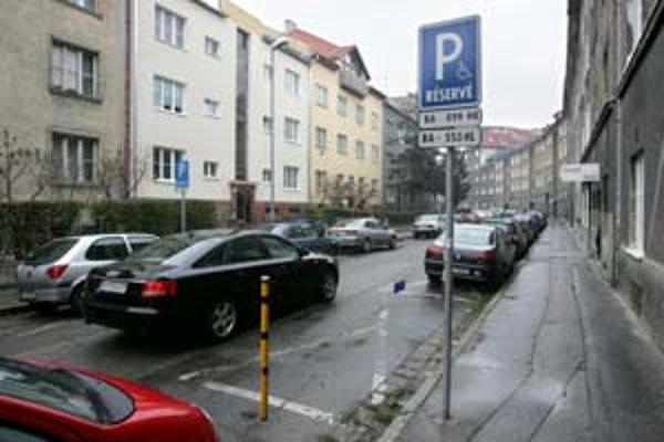 Staré Mesto zvýhodnilo spoločnosť Bratislavská parkovacia služba, dnes už BPS Park, taký je záver Protimonopolného úradu.