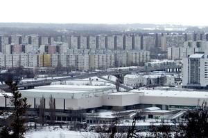 Petržalská samospráva ešte pred vyriešením dodávok plynu ohlásila, že kúriť sa bude normálne aj tento týždeň. Mestská časť s najväčším sídliskom je závislá od plynu. V budúcnosti chce na alternatívne zdroje upraviť verejné budovy.