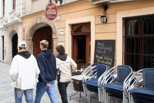 Caffe Divan na Panskej a Cafe Emporio v Auparku patrili medzi ocené kaviarne z posledných rokov.