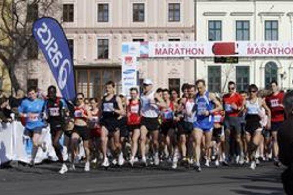 Organizátori ČSOB Bratislava Marathonu hlásia oproti minulému roku nárast účastníkov, a možno padnú aj ďalšie rekordy.