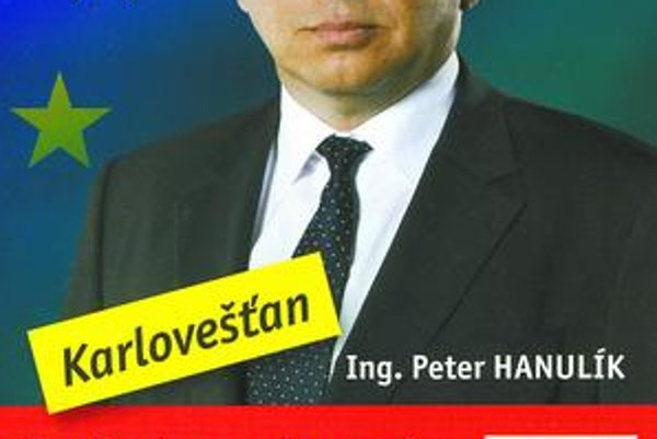 Poslanec za Smer Peter Hanulík na predvolebnom letáku tvrdí, že je Karlovešťan, trvalé bydlisko má inde.