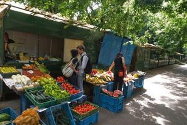 Klasických trhovísk je v Starom Meste len niekoľko. Trh na Poľnej ulici mali rušiť už vlani, zatiaľ ostane.