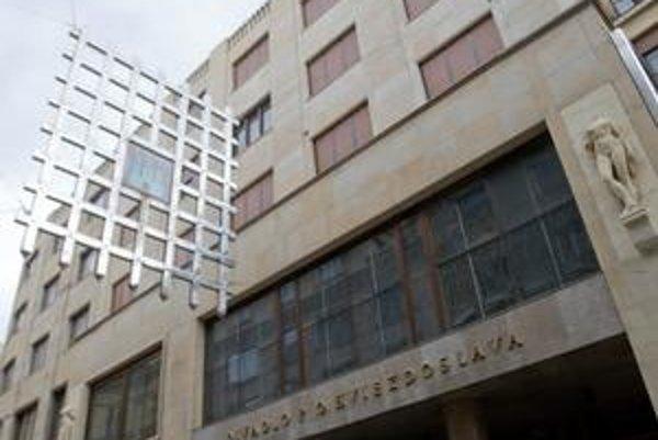 Počas Kultúrneho leta bude divadlo scénou programov Leta hereckých osobností Bratislava - Praha 2009.