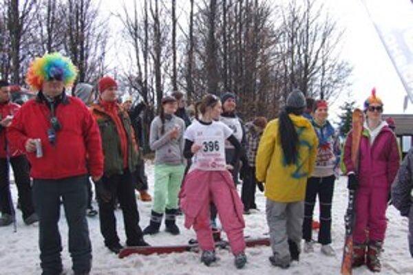 Inštruktori lyžovania oslávili koniec sezóny na Skalke.